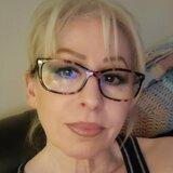 Mia from Thousand Oaks | Woman | 59 years old | Gemini