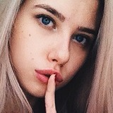 Amy from Toronto | Woman | 21 years old | Cancer