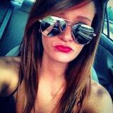 Mae from Elgin | Woman | 29 years old | Taurus