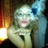 Connie from Burnsville | Woman | 32 years old | Gemini