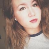 Marissa from Saint George | Woman | 26 years old | Aquarius