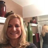 Lauren from Treasure Island | Woman | 46 years old | Libra
