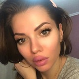 Julie from Toronto | Woman | 33 years old | Capricorn