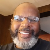 Mickell from Baltimore | Man | 63 years old | Aquarius