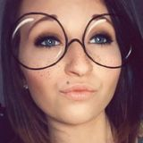 Ashley from Johnson City | Woman | 23 years old | Aries