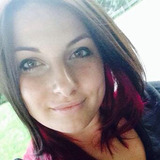 Laurie from Laval | Woman | 24 years old | Leo
