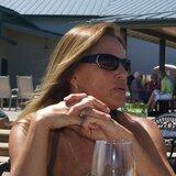 Vivienne from Bonner Springs | Woman | 49 years old | Libra
